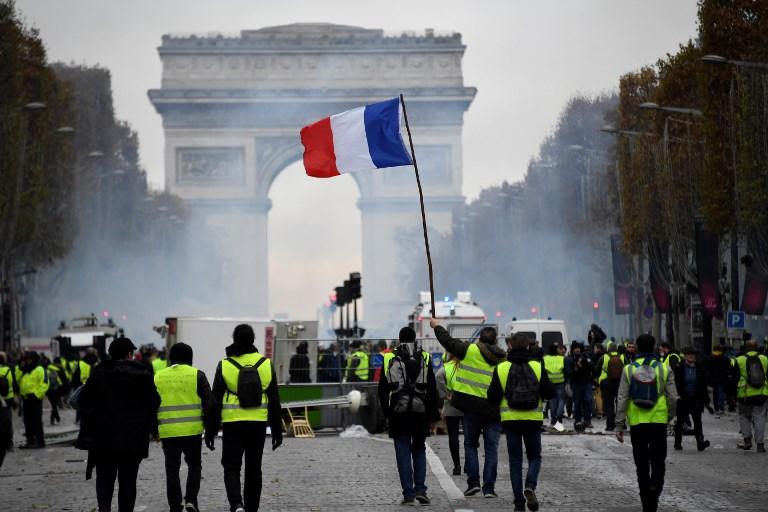 PARIS POLICE.jpg