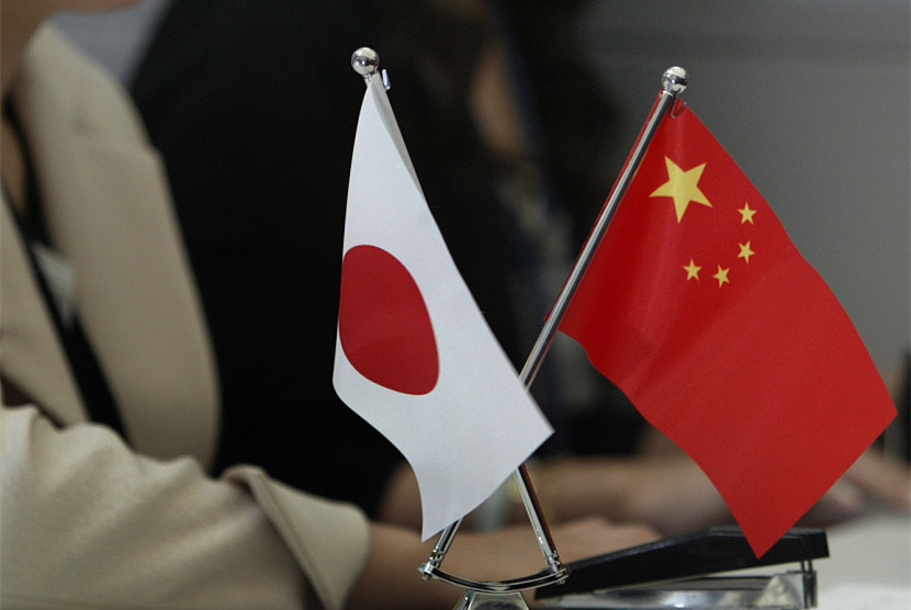 China, Japan sign cooperation deals on energy conservation