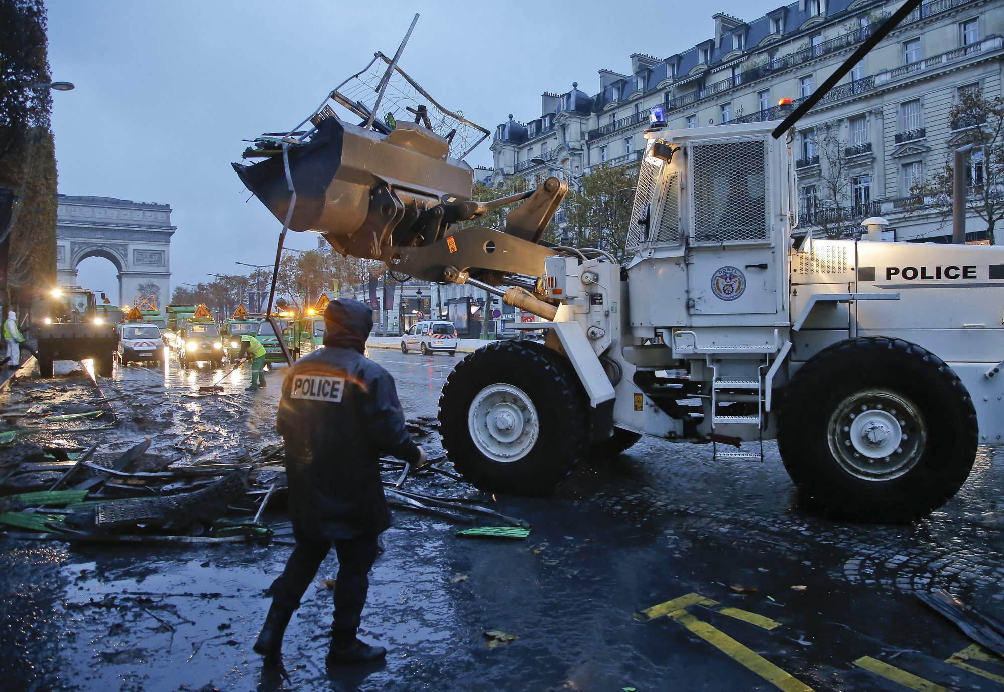 France to assess financial impact of clashes over fuel tax