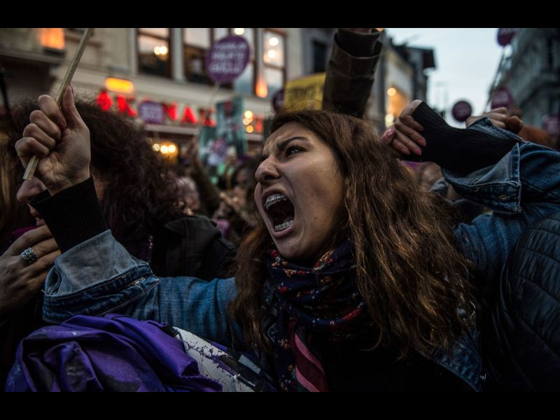 Thousands of Turkish women rally in Istanbul to protest male violence