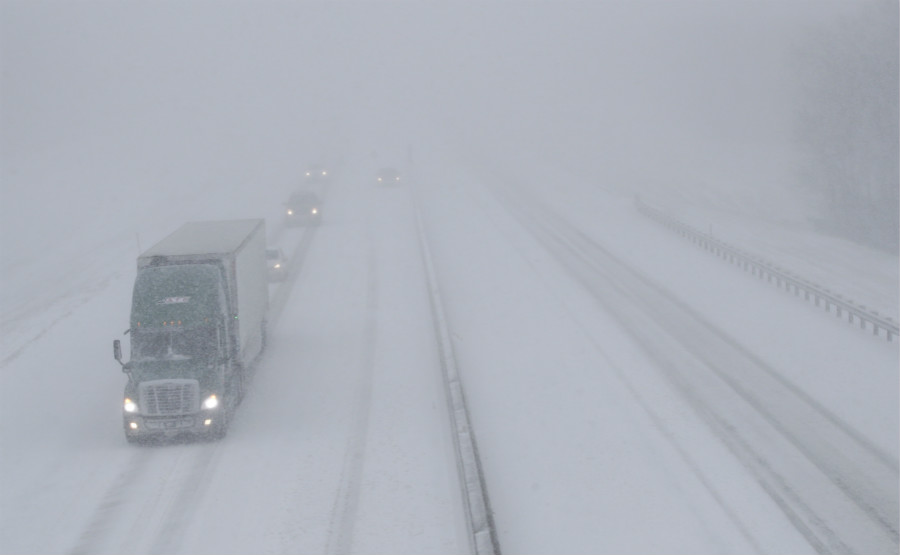 Snow slows holiday traffic across US Midwest