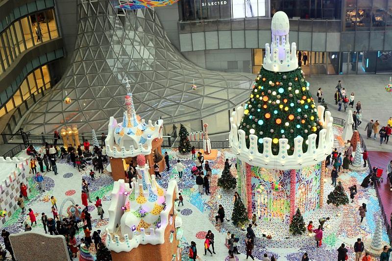 Iconic Gaudi architectural art exhibit debuts in Suzhou, Jiangsu