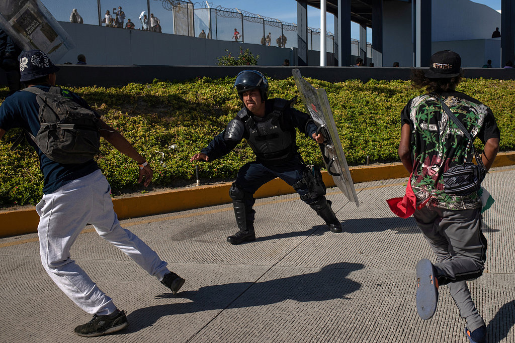 Mexico deports 98 migrants who tried to enter US: official