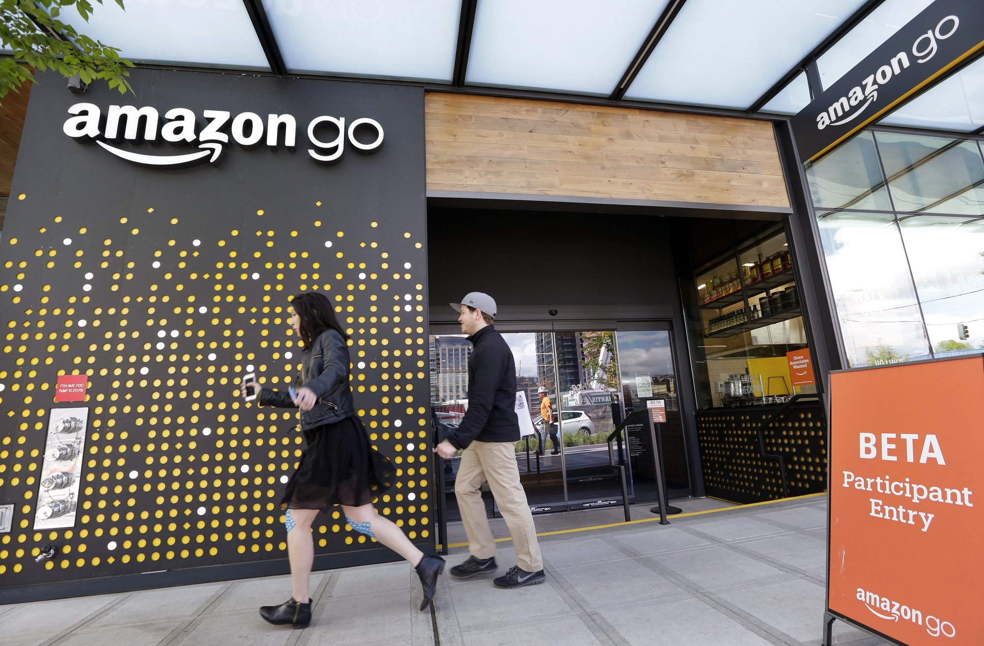 Amazon offers free machine learning courses to general consumers