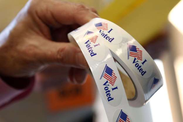 Few lines at polls as Mississippi votes in US Senate runoff