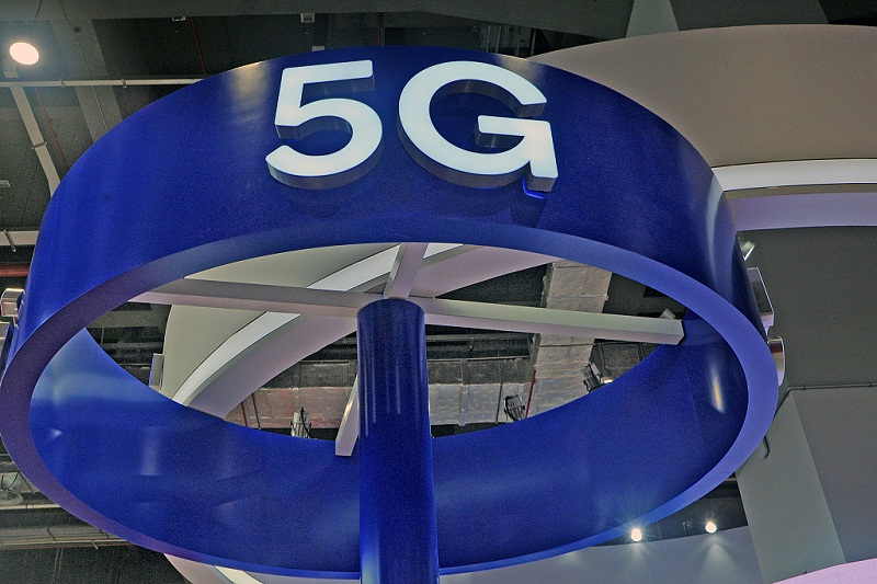 Smartphone firms Oppo and Vivo invest on 5G