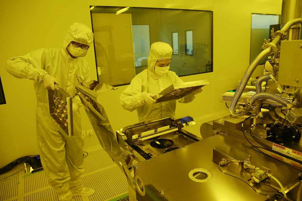China approves new lithography machine for chip production
