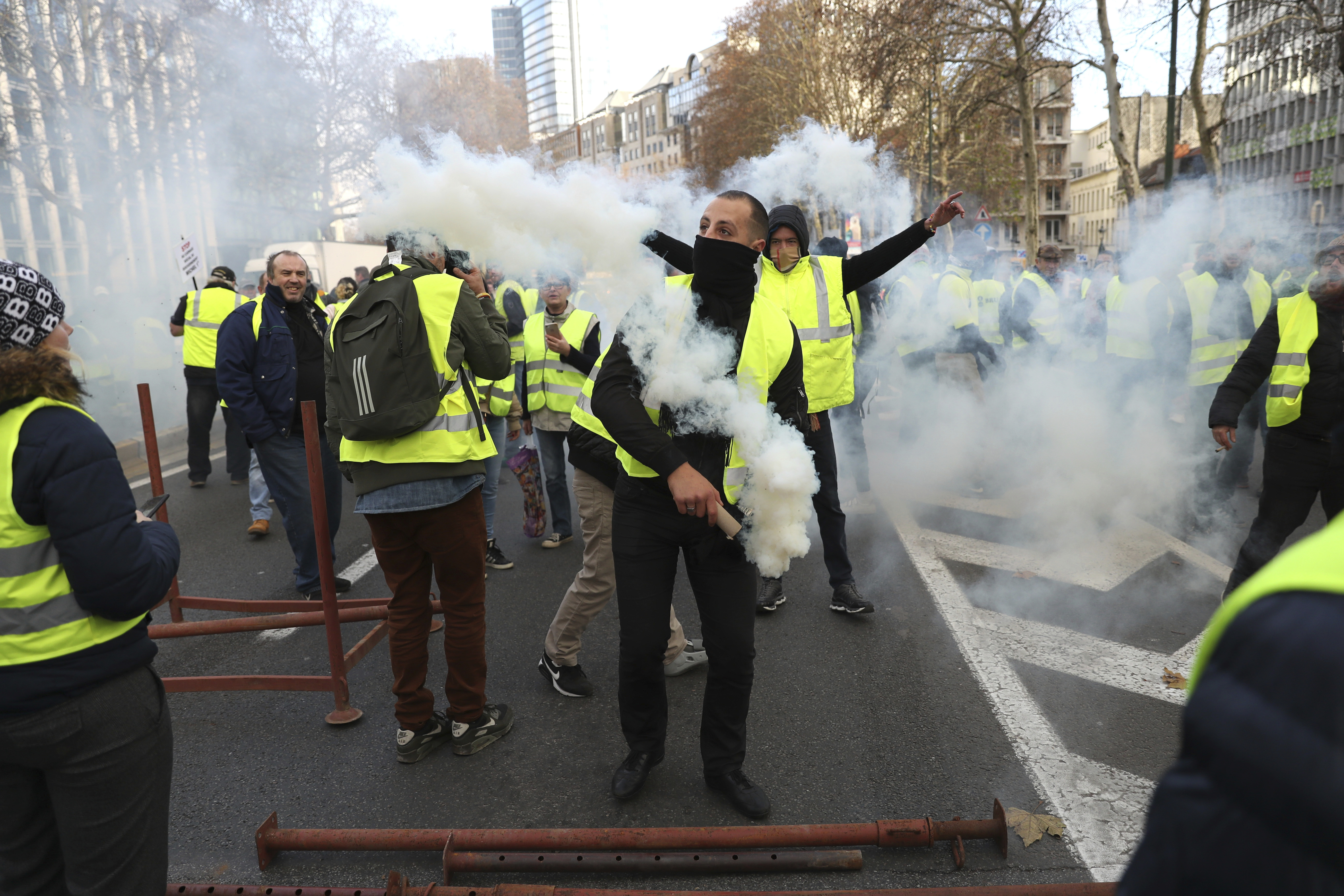 Brussels march mimics 'yellow jacket' France protests