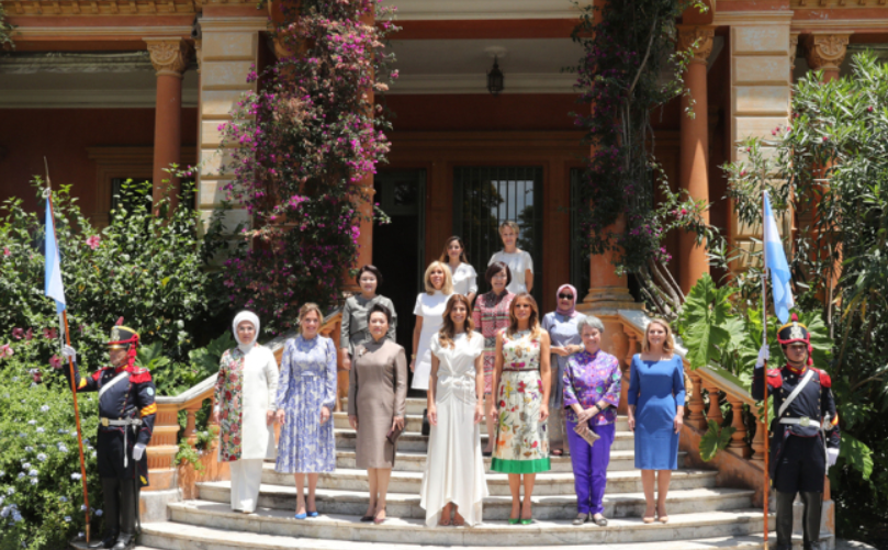 Peng Liyuan visits Villa Ocampo along with other spouses of G20 leaders