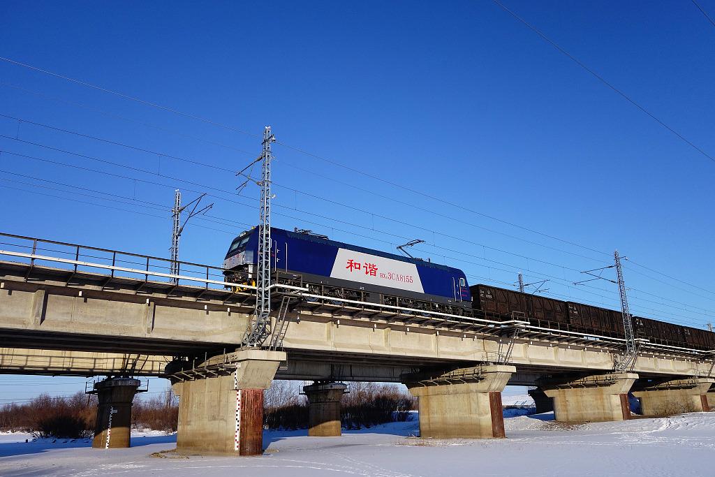 rail freight 内蒙古牙克石:铁路滨洲线风光.jpg
