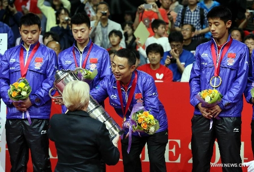Fans welcome star player back at table tennis association