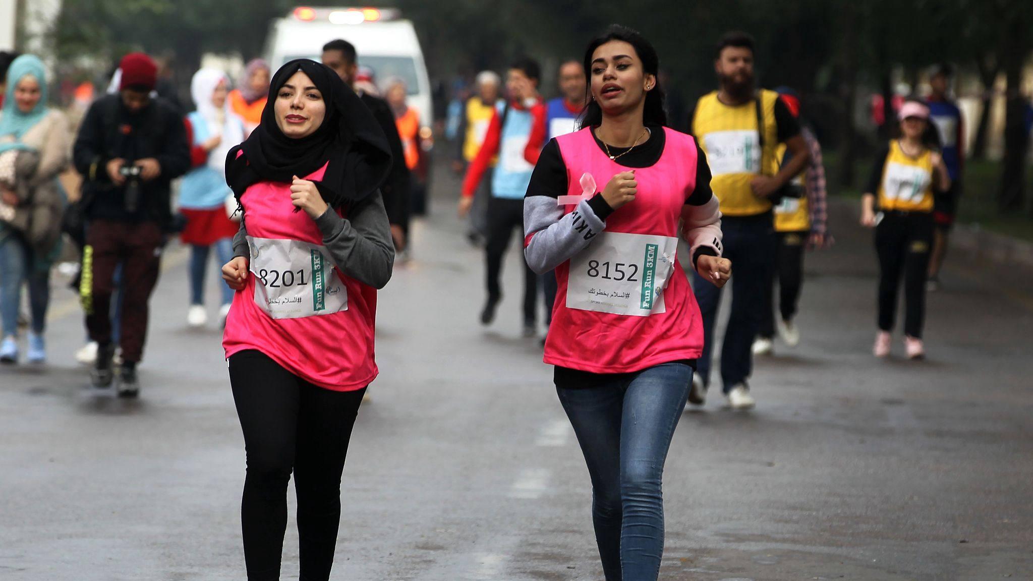 Iraqis run for peace in half marathon