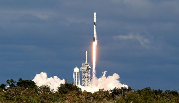 Space burial of 100 people realized by SpaceX Rocket