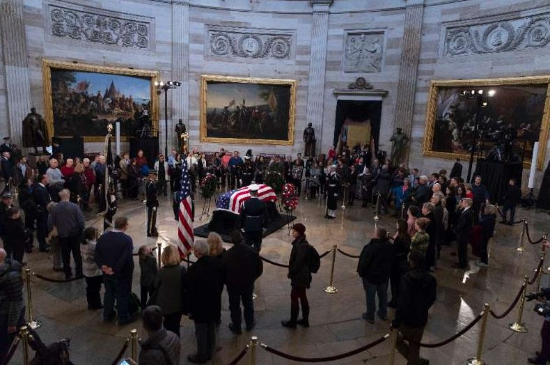 Trump meets Bush family ahead of funeral