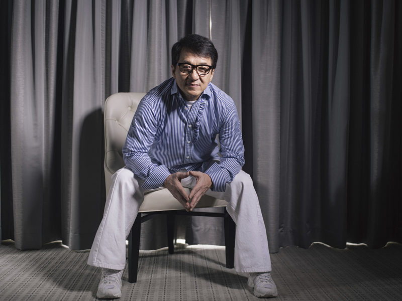 Writer defends Jackie Chan's controversial memoir