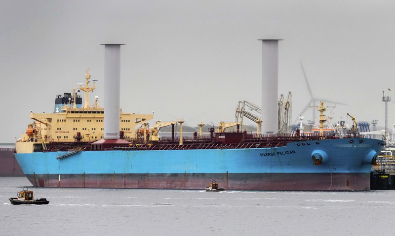 Sails make a comeback as shipping tries to go green