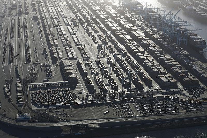 Record imports push US trade gap to $55.5 billion in October