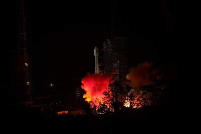 Rocket carrying China's Chang'e-4 lunar probe blasts off