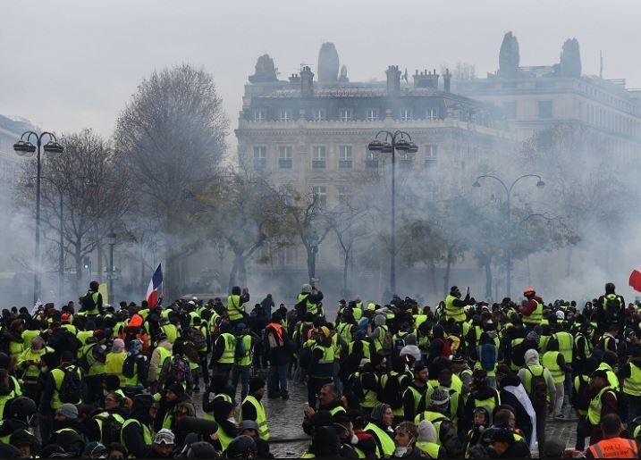 Police arrest 317 as Paris braces for new 'Yellow Vest' protests