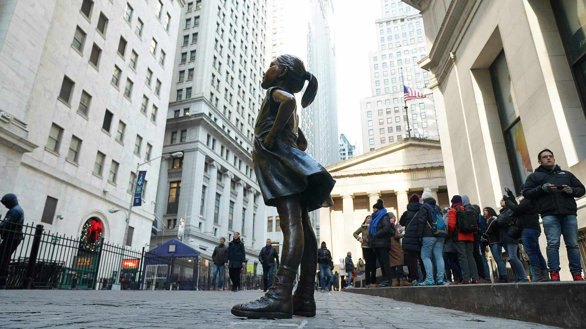 'Fearless Girl' moves to new home outside New York Stock Exchange
