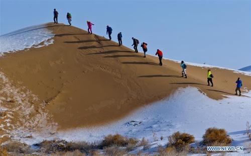 Snow scenery of Badain Jaran Desert in NW China's Gansu
