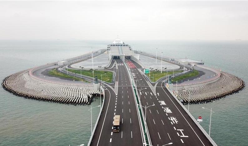 Hong Kong-Zhuhai-Macau Bridge wins another international engineer award