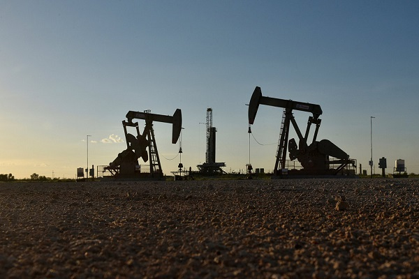 Average crude oil price sees largest monthly drop in almost 4 years: EIA