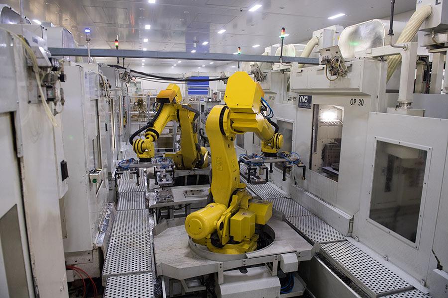 China builds 208 high-level digital workshops, smart factories