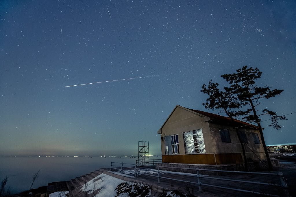 Gemini meteor shower lights up sky all over China