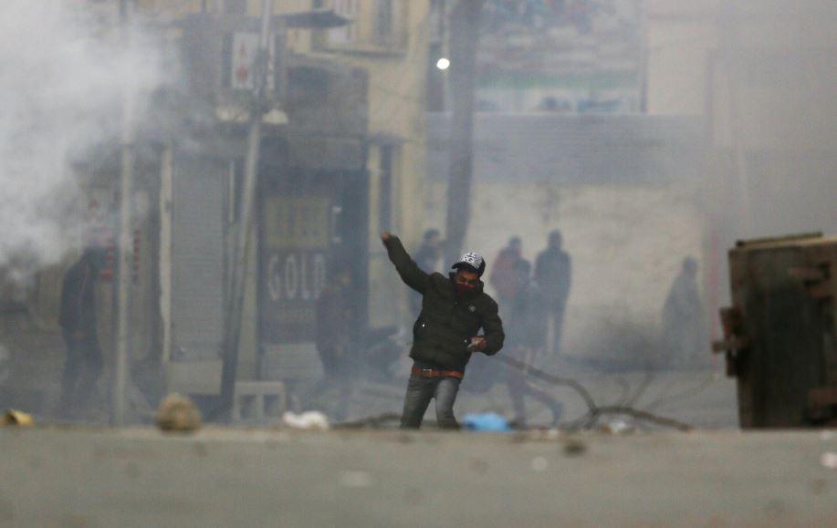 Indian troops enforce lockdown to foil Kashmir protest march