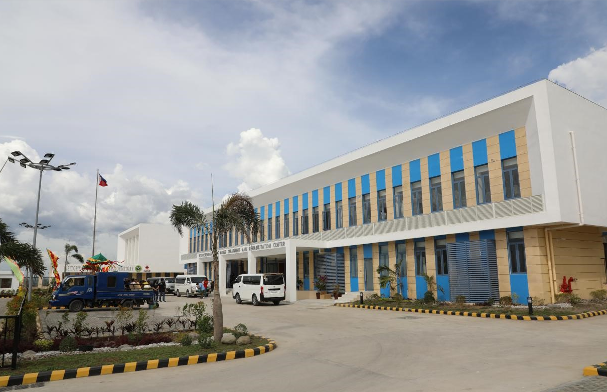 Chinese-built drug rehab center opens in the Philippines