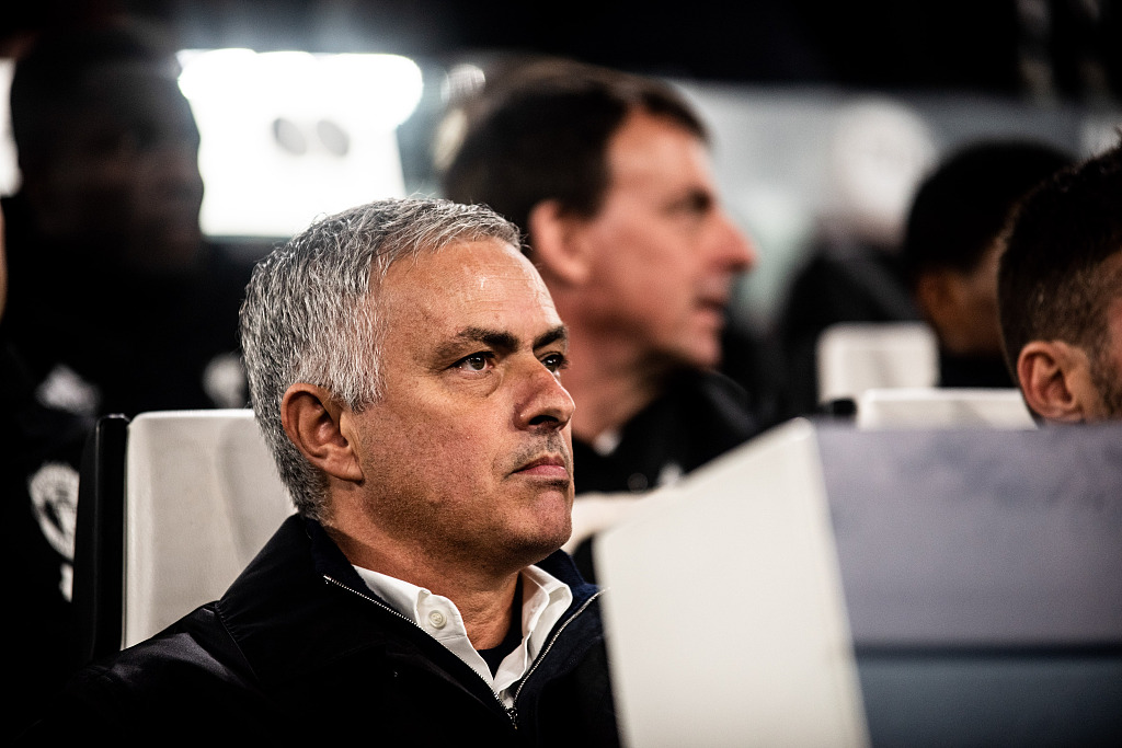 Who might replace Mourinho at Man Uinted?