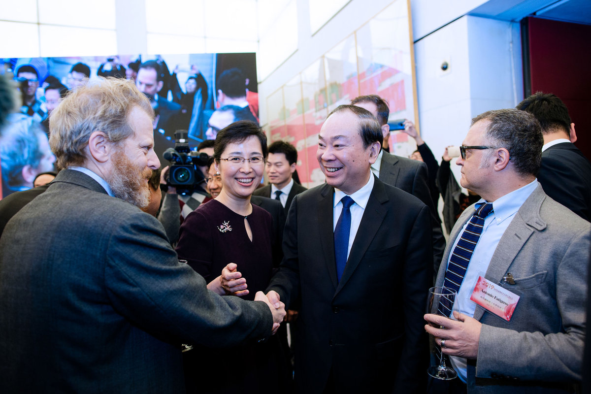 State Council vows more access for foreign media