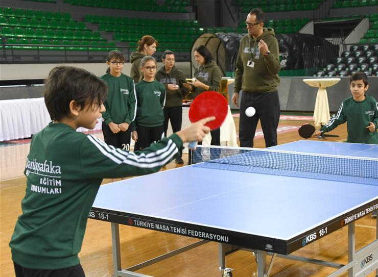 Chinese businesses fund table tennis program for Istanbul orphans