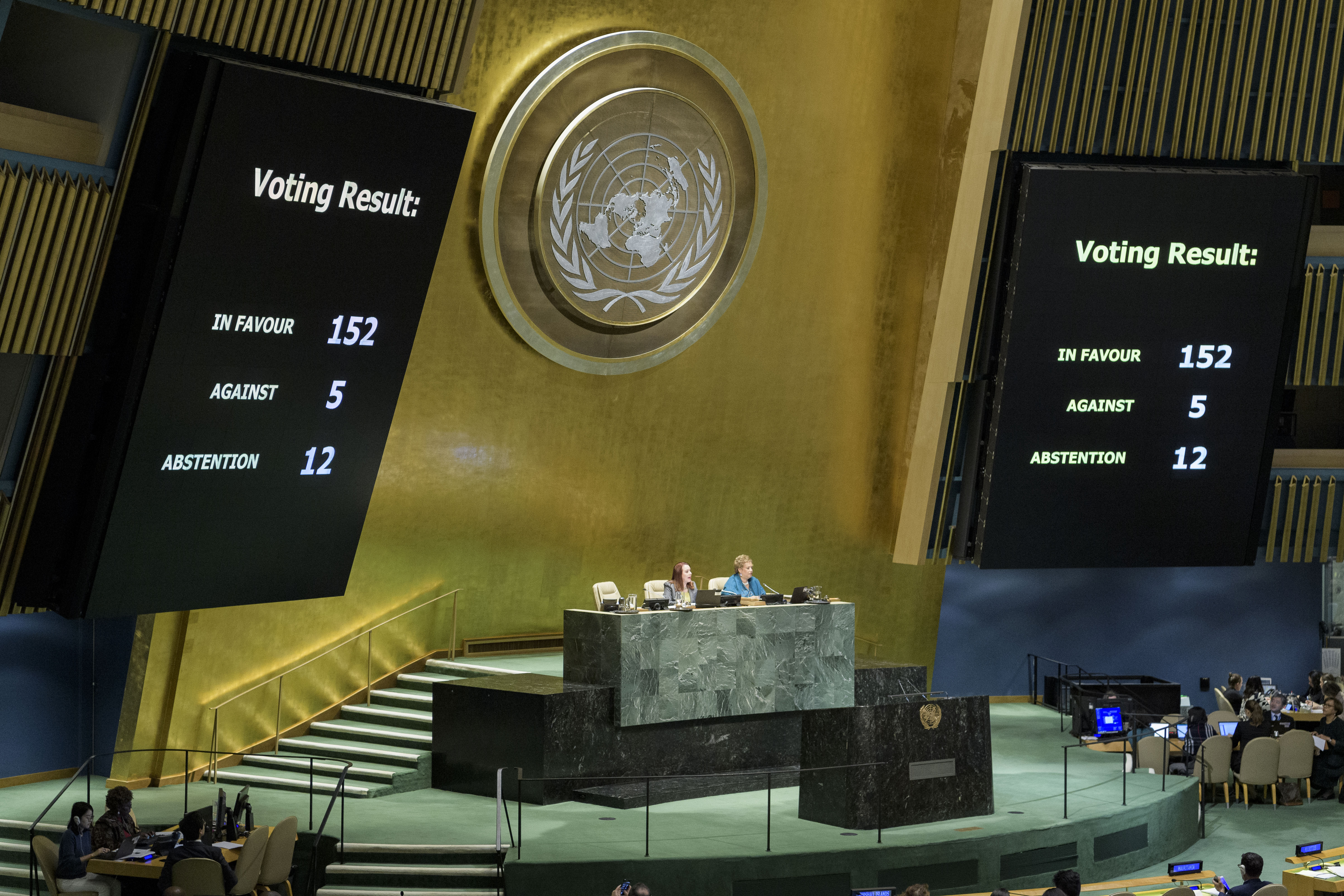 UN General Assembly officially adopts roadmap for migrants to improve safety, ease suffering