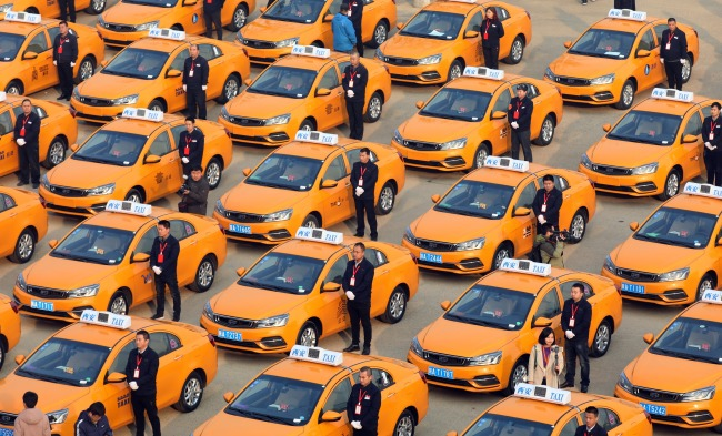 Xi'an's first methanol taxis help reduce pollution