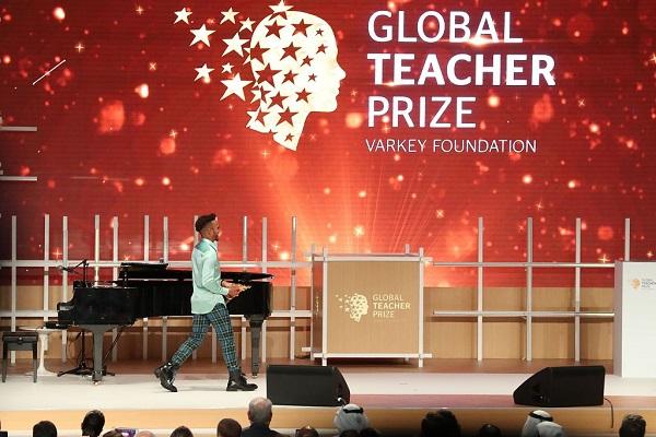 Chinese teacher in running for global teacher prize