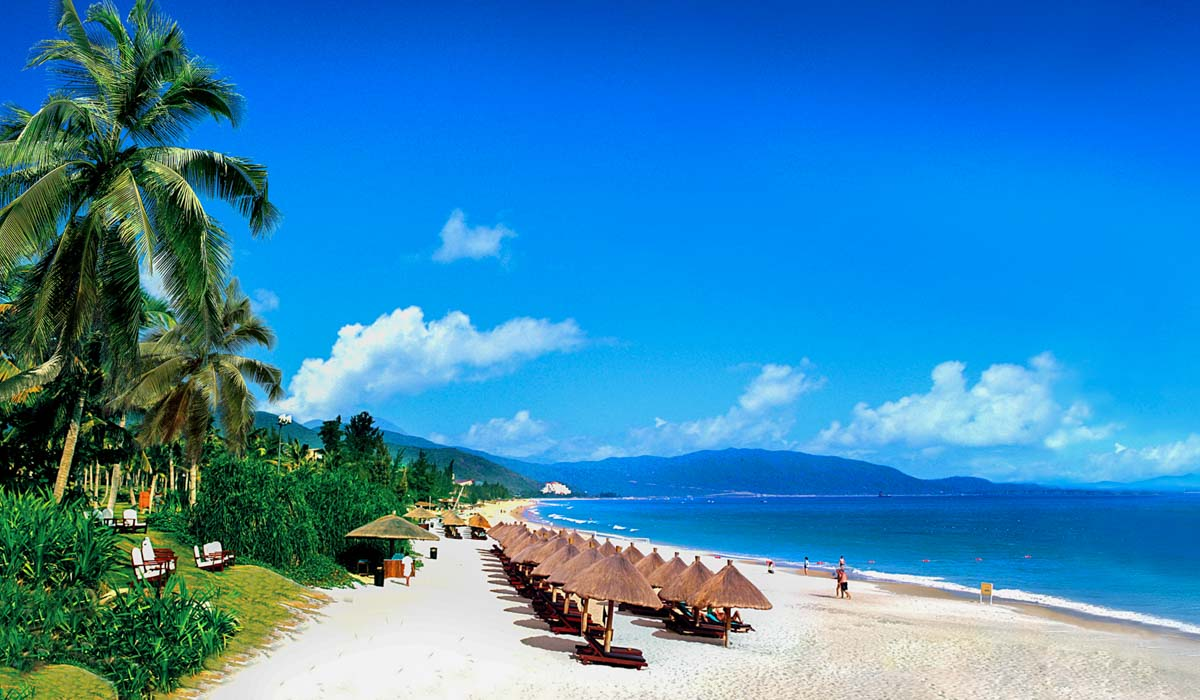 Sanya-Beach-in-Hainan-Visit-Hainan-Island.jpg