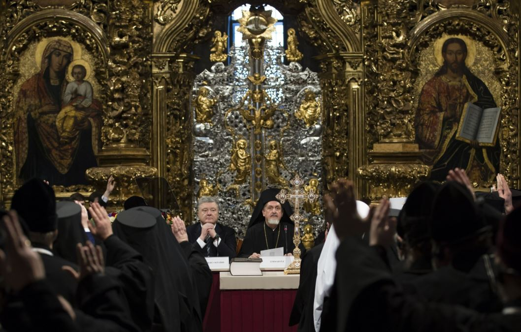 Ukraine's leader orders Orthodox Church to change its name