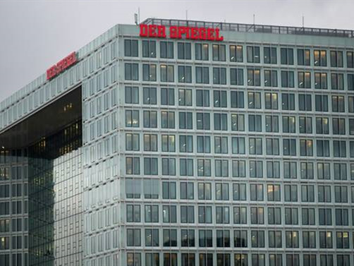 Spiegel to file criminal complaint against cheating reporter