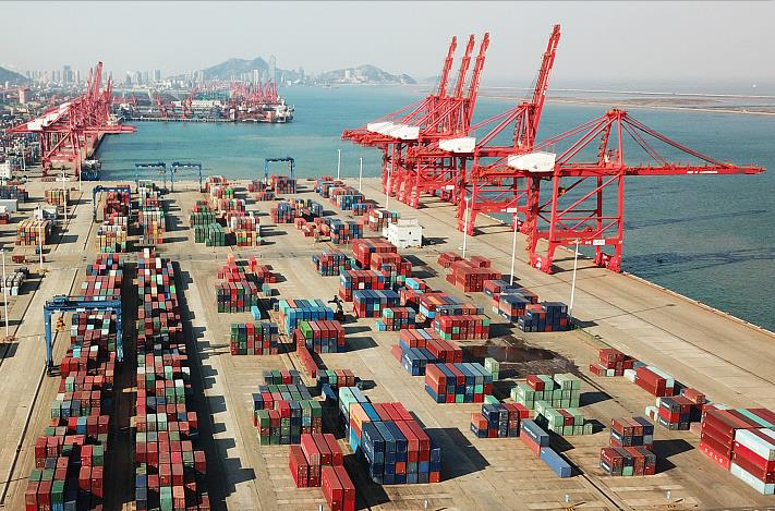 China to adjust import, export tariffs from January 1