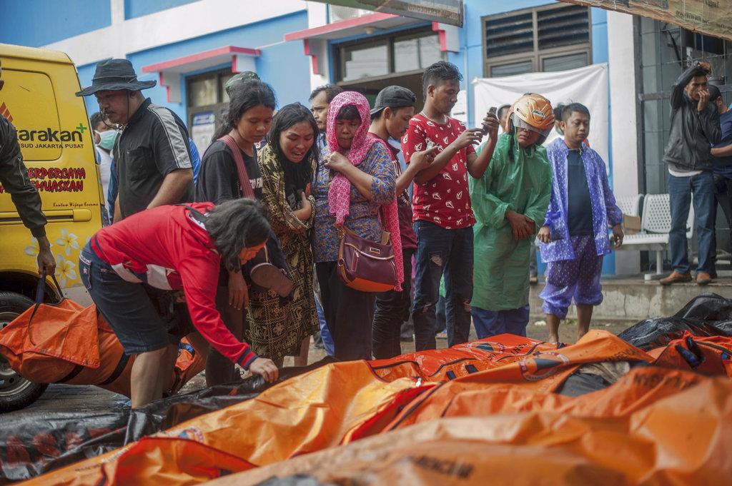 Volcano-triggered tsunami kills 429 people in Indonesia