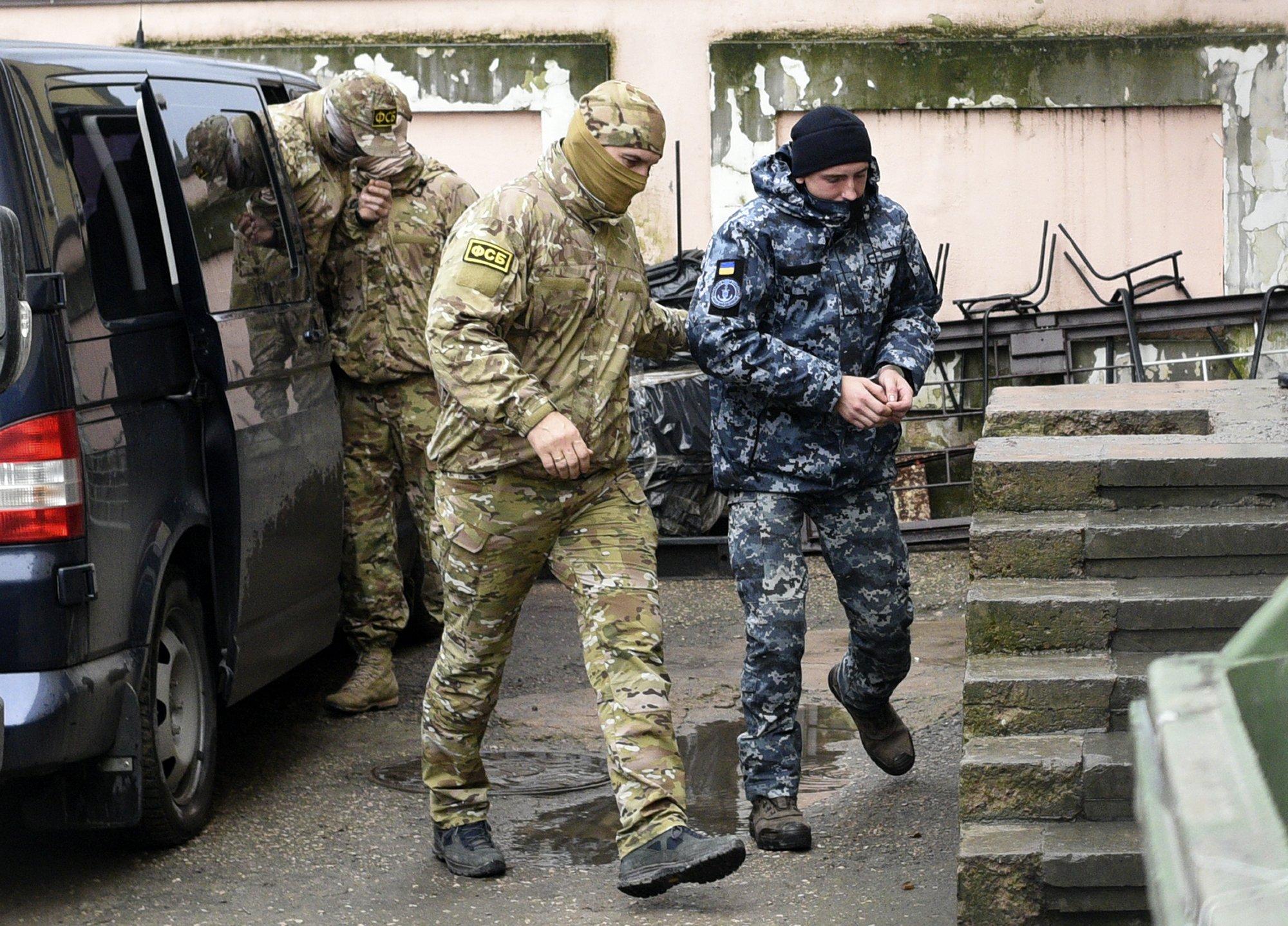 Russia sanctions more Ukrainian citizens, entities
