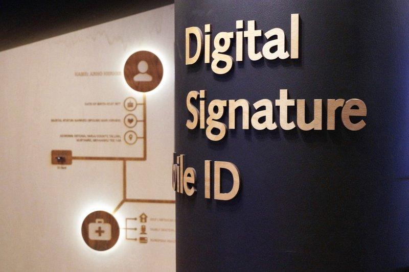No more paperwork: Estonia edges toward digital government