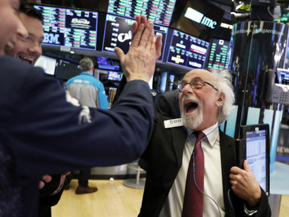 Wall Street notches best day in 10 years in holiday rebound