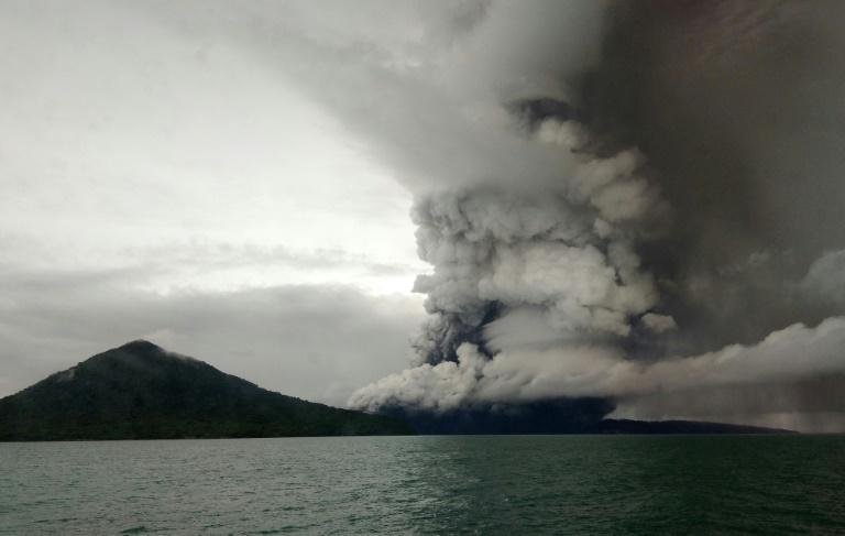 tsunami volcano.jpg