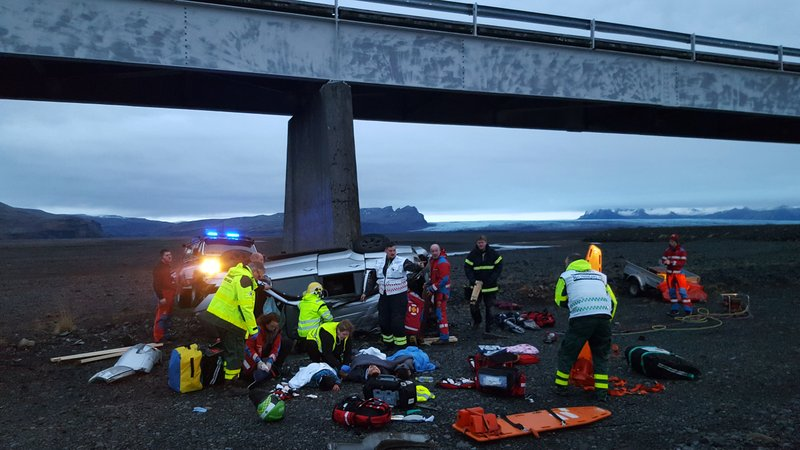 3 British tourists die in Iceland crash, 4 severely hurt