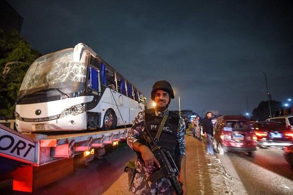 Bomb strikes tourist bus near Egypt's Giza pyramids, kills 2