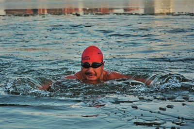 Two elderly 'Ironmen' defy age to live the sporting life