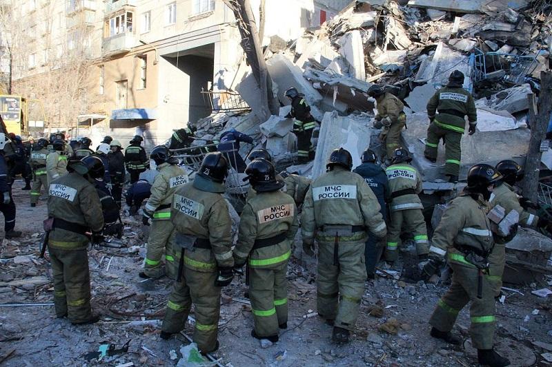 4 dead, 35 still missing in Russian household gas explosion